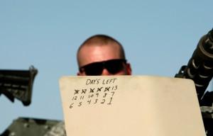 جندي أميركي في قندهار يحسب بشكل تنازلي الأيام المتبقية على ذهابه لوطنه، 5/4/2008 أوران توماسيفيك/رويترز