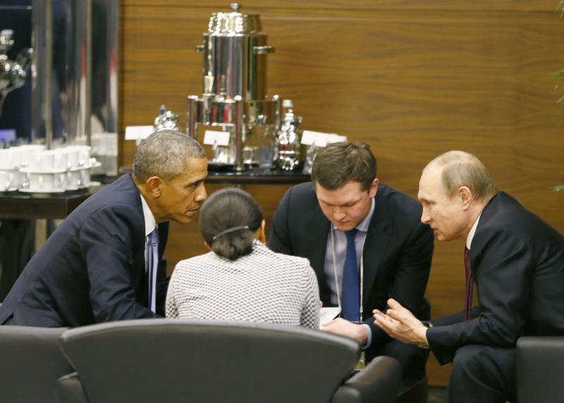مباحثات أوباما مع الرئيس الروسي فلاديمير بوتين و مستشارة الأمن القومي سوزان رايس خلال قمة مجموعة العشرين في أنطا ليا، تركيا تشرين الثاني 2015