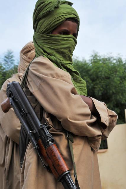 شاب مقاتل من حركة المقاومة الإسلامية للتوحيد والجهاد في غرب أفريقيا، غاو مالي، 17 حزيران 2012