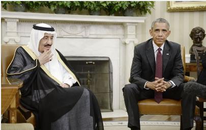 أوباما يلتقي العاهل السعودي سلمان بن عبد العزيز في 2015. (أوليفيير دزليري- صور غيتي)
