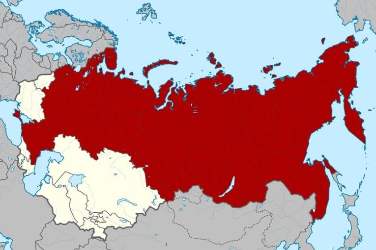كتاب الاتحاد السوفيتي والعراق : السعي السوفيتي من أجل النفوذ