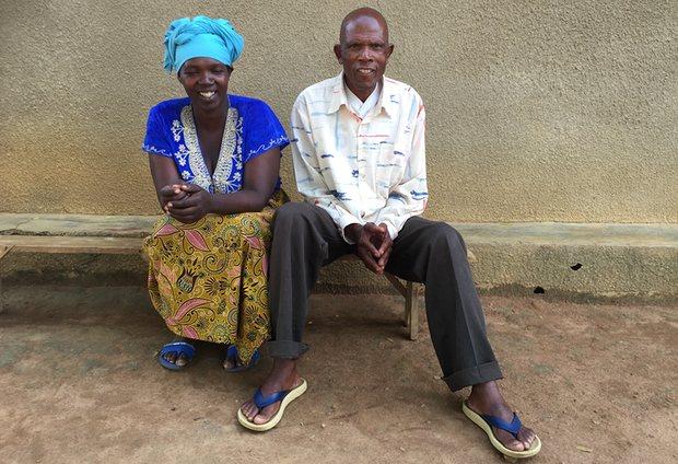 تاسيان نكيندي وجارته ليورانسيا نايوجيرا. صورة: أماندس أونج.