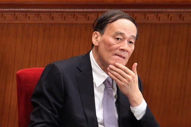يرأس وانغ تشي شان وكالة مكافحة الفساد
